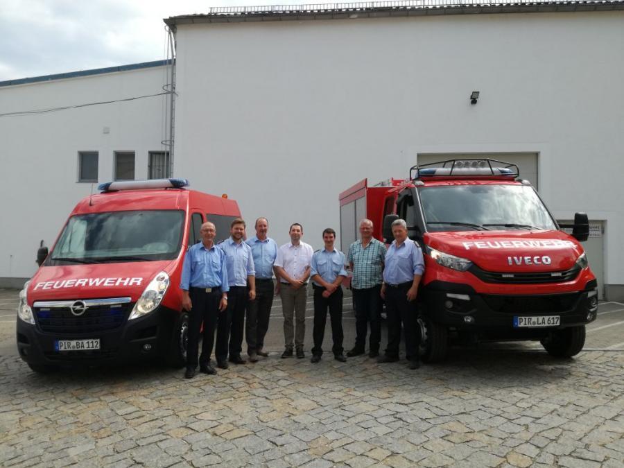 Bild der Meldung: Übergabe Feuerwehrautos