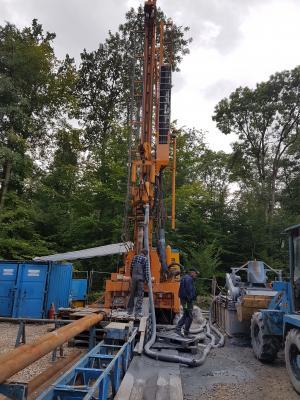 Foto zur Meldung: Brunnenbohrung im Gemeindewald Ellern