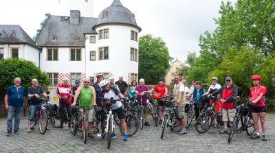 Die Radtour der Seniorenradler im Juli führte die Gruppe an der Nidda entlang nach Höchst.