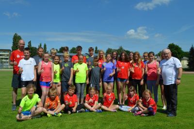 Foto zur Meldung: Motivierte Mädchen und Jungen für anstehende Wettkämpfe fit gemacht