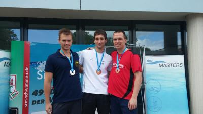 Der Zweitplatzierte Thilo Heims aus Berlin (links), der Sieger Bastian Schorr aus Bamberg (Mitte) und rechts der Drittplatzierte Michael Ritter vom FSV Nienburg.