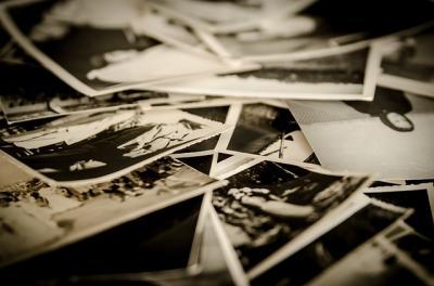 Vorschaubild zur Meldung: Alte Fotoaufnahmen von Haus- und Straßenansichten gesucht