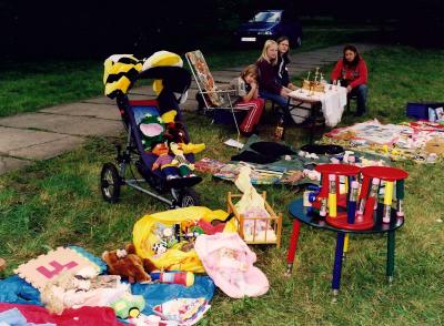 Foto zur Meldung: Kinder auf Schnäppchensuche – Anmeldung zum Kindertrödelmarkt am 17. September 2017 anlässlich des 24. Genthiner Kartoffelfestes
