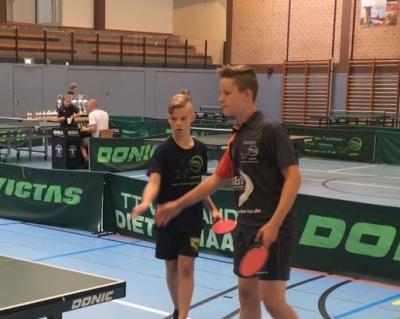 Vorschaubild zur Meldung: TT-Kreismeisterschaften der Jugend: Joke und Bennett holen Doppel-Titel bei den A-Schülern!