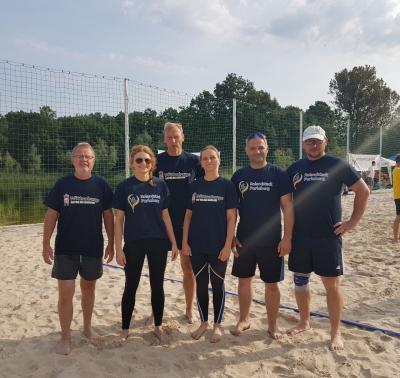 Die gemeinsame Beach-Volleyball-Mannschaft. I Foto: TGZ