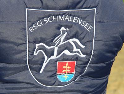 Foto zu Meldung: Zeit für Bingo – Reiter veranstalten fröhlichen Spieleabend