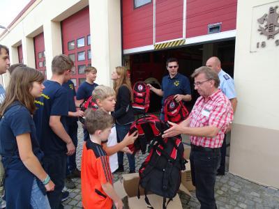 Foto zur Meldung: Anerkennung und Werbung für die (Jugend-)Feuerwehr