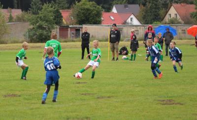 Foto zur Meldung: F-Jugend startet mit Rekordsieg