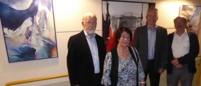 Foto zeigt Künstler Gerhard Müller mit Gattin, Bürgermeister Andreas Weiher und Laudator Dieter Löchl
