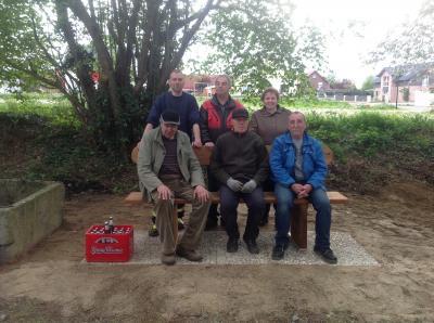 Foto zu Meldung: Neue Bänke für Klein Sisbeck