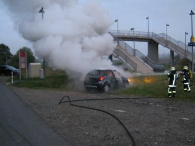 Foto zu Meldung: Brand Pkw