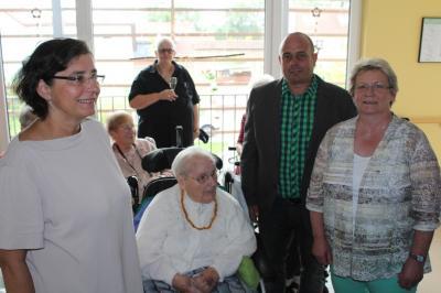 Vorschaubild zur Meldung: Frau Hilda Schmauch aus Creuzburg konnte ihren 100. Geburtstag feiern