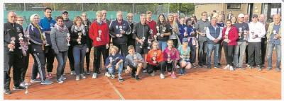 Sieger und Platzierte der Tennis Stadtmeisterschaften 2017