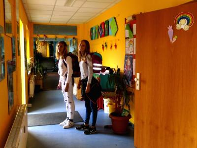 Foto zur Meldung: Flurrenovierung in der Evangelischen Schraden-Grundschule