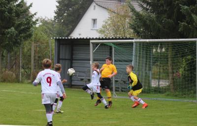 Foto zur Meldung: Spitzenspiel der E-Jugend endet Unentschieden