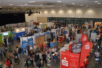 Praktikums- und Ausbildungsmesse 2017 – Viele Schüler, Berufseinsteiger und Unternehmen nutzten die Chance