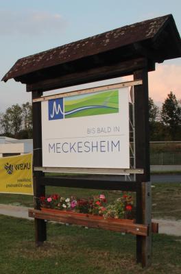 Vorschaubild zur Meldung: Die Gemeinde Meckesheim grüßt seine Gäste mit 7 neuen Ortseingangstafeln