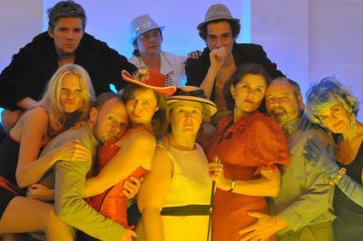 """Mit """"Maß für Maß"""" begeisterten die Darsteller des Kleinen Theaters Falkensee 2014"""