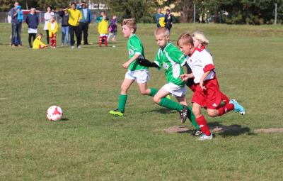 Foto zur Meldung: F-Jugend gewinnt Derby