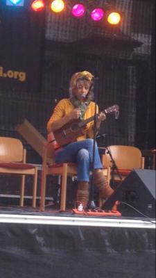 Kuku spielte auf dem Münsterplatz in Konstanz.