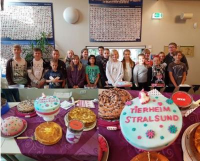Foto zur Meldung: Kuchenbasar für das Stralsunder Tierheim