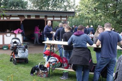 Foto zur Meldung: Vereinsgrillen im Vogelpark Schotten