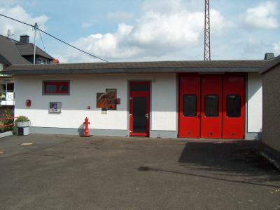 Foto zur Meldung: Spanferkelessen im Feuerwehrhaus