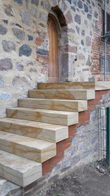Vorschaubild zur Meldung: Neue Treppe zum Klutturm