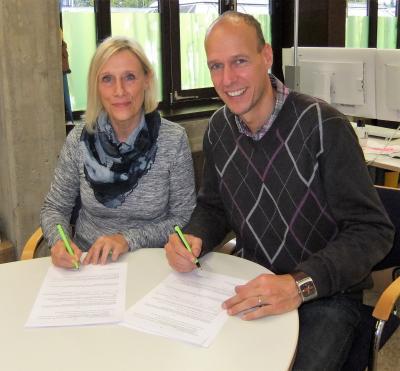 Foto zur Meldung: TV Kaldauen und das LAZ Puma Rhein-Sieg schließen Kooparationsvertrag mit dem Albert-Einstein-Gymnasium in Niederpleis