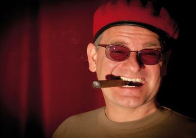 Holger Müller alias Ausbilder Schmidt übernimmt die Morderation des Comedy-Abends