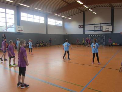 Foto zu Meldung: Zweifelderballturnier der Klassen 6 aus Kremmen und Beetz