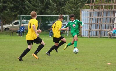 Foto zur Meldung: B-Jugend gewinnt Derby