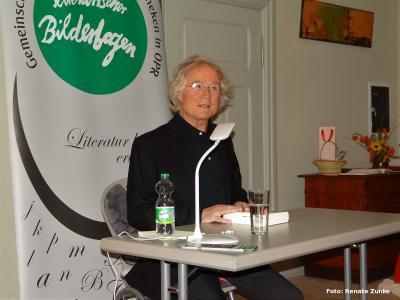Foto zur Meldung: Literarischer Bilderbogen: Historische Lesung mit Tilman Röhrig