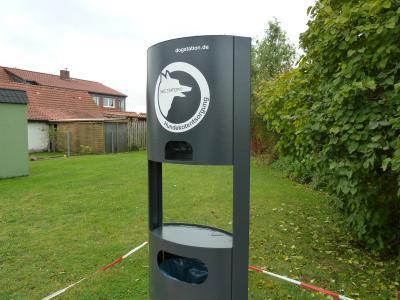 Foto zu Meldung: Neue Hundetoiletten für die Gemeinde Velpke