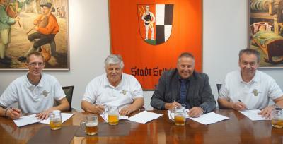 Bild von links: Jörg Vogel, Gerhard Färber, Erster Bürgermeister Stefan Busch, Ralf Meister