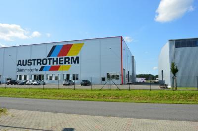 Vorschaubild zur Meldung: Bürgermeister erfreut über neuerliche Investition bei Austrotherm