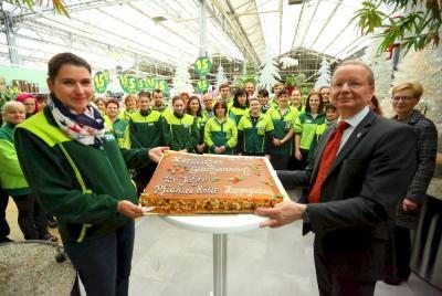 Bild der Meldung: Eine Mitarbeiter-Torte zum 15. Geburtstag