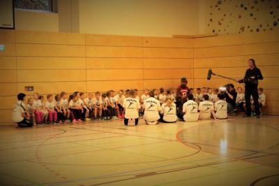 Foto zur Meldung: MDR zu Besuch bei den Handballwieseln