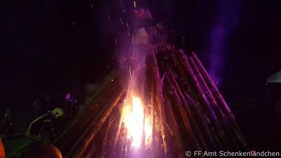 Foto zur Meldung: 30.10.2017 Hexenfeuer in Groß Köris