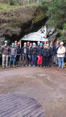 Foto zur Meldung: Exkursion von Geologiestudenten im Finstergrund