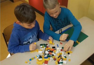 Vorschaubild zur Meldung: Klasse 3b - Mein Klassenzimmer aus Legosteinen