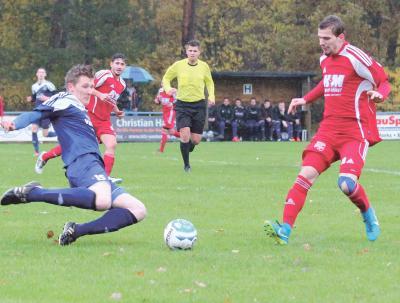 Foto zu Meldung: I.Herren - SV Lindwedel dreht spektakuläres Derby gegen Germania zum 6:3
