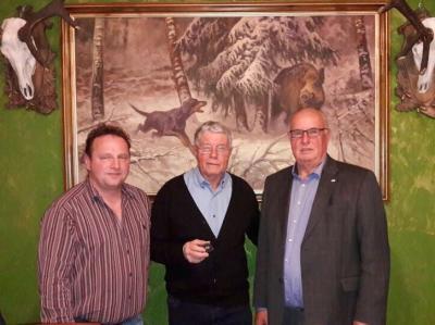 Foto zur Meldung: Ehrennnadel des Landessportbundes verliehen