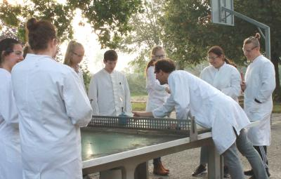 Foto zur Meldung: Chemie in der 9b