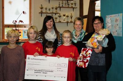 Foto zu Meldung: Spendenübergabe durch Jugendhaus Greußen