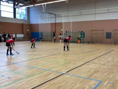 Foto zur Meldung: Die Mädchen A gewinnen ihr erstes Spiel des Tages
