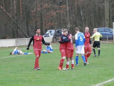 Foto zu Meldung: + + + Fußball Landesliga West 13. Spieltag + + +