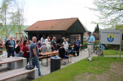 Foto zu Meldung: Dorfplatz in Borgwedel eröffnet