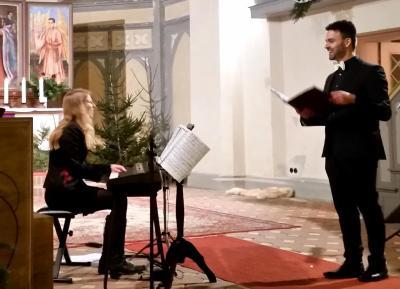 Foto zur Meldung: Klassisches Weihnachtskonzert mit Karsten Gebbert am 9.12.2017