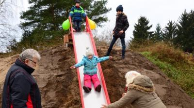 """Vorschaubild zur Meldung: Ungewöhnlicher """"Spielplatz"""" in Garwitz: Hier haben Alt und Jung ihren Spaß"""